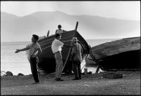 Διαβάστε περισσότερα: Μουδανιά 1964 - ψαράδες φωτογραφημένοι από τον Constantine Manos