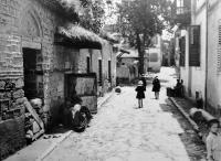 Πίσω απ' την Αχειροποίητο τη δεκαετία του 1920